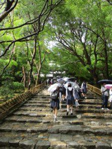 「虎の子渡し」で有名な龍安寺の石庭へ